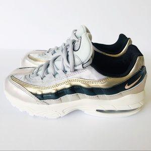 Nike Air Max 95 NWOT